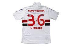 Time do Sao Paulo de camisa nova neste domingo – elas serao leiloadas – projeto Educaçao em Campo, criado pela AlmapBBDO