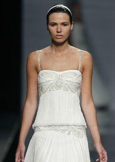 Los vestidos que inspiraron a Rosa Clará