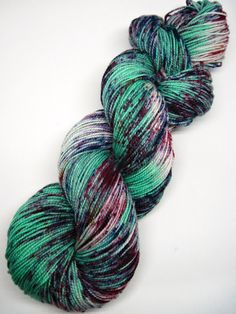 hand dyed yarn, hand painted yarn, handpainted yarn, superwash merino yarn, sock yarn, kettle dyed yarn, fingering, mint speckles speckled by WeeChickadeeWoolery on Etsy https://www.etsy.com/listing/266115314/hand-dyed-yarn-hand-painted-yarn