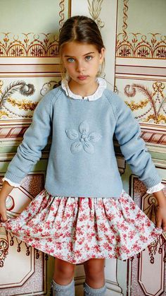 New Fashion Jeans For Girl Fashion Kids, Little Girl Fashion, Little Girl Dresses, Cute Fashion, Toddler Swag, Toddler Girl, Cute Young Girl, Cute Girls, Kids Outfits