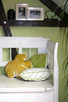 Blätterkissen aus Stoff vom Möbelschweden