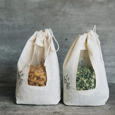 Sac Recyclable, Zero Waste Store, Techniques Couture, Produce Bags, Sustainable Living, Sustainable Gifts, Cloth Bags, Handmade Bags, Diy And Crafts