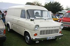 mine was green Big Trucks, Ford Trucks, Classic Cars British, Old Commercials, Ford Transit, Commercial Vehicle, Car Ford, Ford Motor Company, Mk1