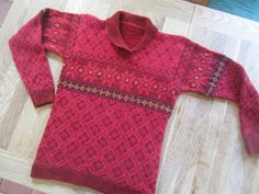 Ravelry: Scottishgirls Red Stars and Roses Wonder if I could make this on my knitting machine?