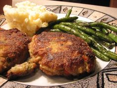 Angelina s Restaurant Crab Cakes - Maryland Restaurant Recipes, Seafood Recipes, Entree Recipes, Seafood Dishes, Copycat Recipes, Fish Recipes, Maryland Recipe, Maryland Style Crab Cakes, Crab Cake Recipes