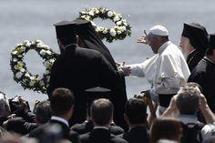 Pape François - Pope Francis - Papa Francesco - Papa Francisco : 16 avril 2015 en Grèce à Lesbos auprès des Migrants