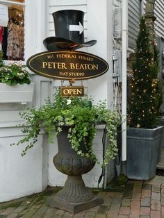 Peter Beaton Hat Studio Nantucket Island, Hat Boxes, Shop Signs, My Happy Place, New England, Beach Vacations, Visual Merchandising, Studio, Vacation Ideas