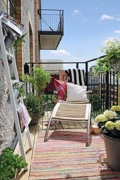 We've already told you about smart balcony storage ideas but what designs should you choose if you don't have a lot of space there? I think that greening on the balcony leaves the impre… Outdoor Balcony, Outdoor Spaces, Outdoor Living, Outdoor Decor, Balcony Ideas, Small Balcony Design, Small Living Room Design, Ideas Terraza, Outdoor Retreat