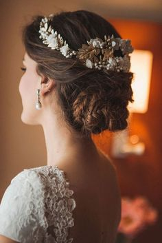Bridal updo with tiara and veil bridesmaid hair 38 Super Ideas Bridal Updo, Bridal Headpieces, Bridal Makeup, Wedding Makeup, Trending Hairstyles, Cool Hairstyles, Vintage Wedding Hair, Short Blonde, Bridesmaid Hair