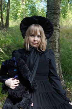 Päivänvarjon alla: Celebrating her royal bunniness Bunny Birthday, Goth, Victorian, Celebrities, Dresses, Style, Fashion, Swag, Moda