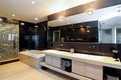 MODERN HOME IN TREND SETTING COMMUNITY  |  Chicago, IL  |  Luxury Portfolio International Member - Baird & Warner