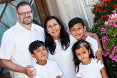 International Day of Families. Top 5 Ideas to make sure you have a family portrait to remember.