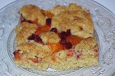 Ovocné koláče pečiem iba zo sezónneho čerstvého ovocia, nikdy nepoužívam zavárané alebo mrazené ovocie. Aby bol tento čo najchutnejší, použijem naň ríbezle, ostružiny, maliny, čučoriedky, marhule, slivky alebo kyselkavé jabĺčka. - TRNAVSKÝ HLAS - Trnava a okolie naživo