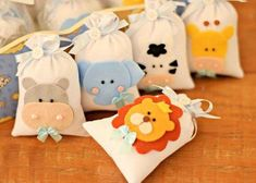 Felt Crafts, Diy And Crafts, Theme Bapteme, Pochette Diy, Baby Shower Souvenirs, Baby Shawer, Safari Party, Baby Party, Goodie Bags