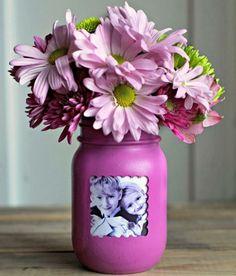 pot en verre deco, peinture rose, cadre photo enfants, fleurs roses et violettes