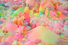 【夢みたいな可愛さに悩殺】お菓子やビーズ、おもちゃで作ったsweetワンダーランド - FEELY