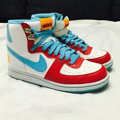 Nike High Tops Super cute Nike high tops in great condition. Nike Shoes Athletic Shoes
