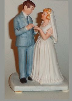 Museum miniatures Museum Collection 1986 Inspired by the art of Norman Rockwell Miniature Bisque Porcelain Figurine measures approximately 4 inches high. Great cake topper for wedding or anniversary In original box. Norman Rockwell Figurines, Norman Rockwell Paintings, Museum Collection, Bridesmaid Dresses, Wedding Dresses, Wedding Cake Toppers, Bride Groom, Anniversary, Party Favors