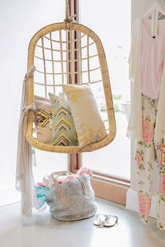 .hanging chair