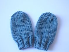 Ravelry: Fast Baby Mittens pattern by Lucy H. Lee