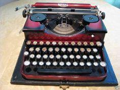 (1926) alligator red royal portable typewriter  #1926 #alligator #red #redtypewriter #vintagetypewriter #portabletypewriter