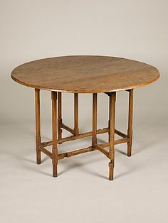 Sibyl Colefax & John Fowler Antiques :: Round, oval and polygonal tables :: ash gateleg table
