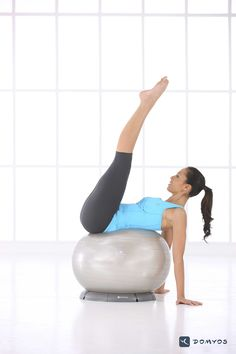 Take away the ball stand and it makes it even better. Wellness Fitness, Fitness Goals, Health Fitness, Stability Ball Exercises, Core Stability, Pilates Body, 15 Minute Workout, Bikini Prep, Pumping Iron