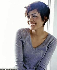 Simple, chic pixie for round face