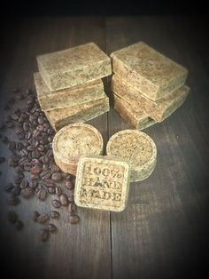 Coffee soap from Thermomix with peeling effect Source by brittalohr The post Coffee soap. With peeling effect. appeared first on Alba& Soap Works. Belleza Diy, Coffee Soap, Home Coffee Stations, Homemade Cosmetics, Soap Bubbles, Decorating Coffee Tables, Home Made Soap, Diy Food, Diy Beauty