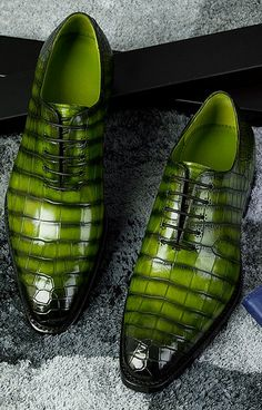 Men's Genuine Alligator Leather Derby Shoes in Goodyear Welt Oxford Shoes Outfit, Men's Shoes, Flat Shoes, Mens Casual Leather Shoes, Homecoming Shoes, Gentleman Shoes, Groom Shoes, Mens Boots Fashion, Colorful Shoes
