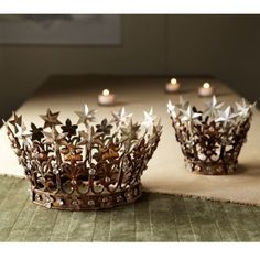 Starry crowns (Tahindrian monarchs?)