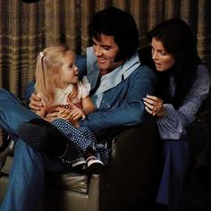 For Elvis family meant the world, there is no limitation in love for ...466 x 466 | 24.1 KB | elvis-presley1.blogspot.com