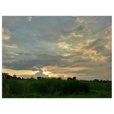 #sunset before the #thunderstorm #sky #clouds #sun #sundown #squall #philippines #雷 #スコール 前の#夕焼け #夕日 #空 #雲 #イマソラ #フィリピン