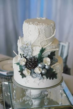 The Frosted Petticoat: Wedding Cake