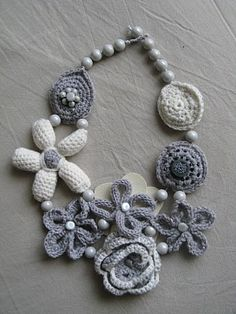 Bijoux e accessori: Crochet flower