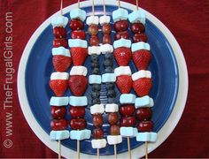 of July Fruit Kabobs Recipe!The Frugal Girls in of July, Dessert Recipes, Recipes 4th Of July Celebration, 4th Of July Party, Fourth Of July, Party Treats, Holiday Treats, Holiday Recipes, Holiday Fun, Holiday Foods, Summer Treats