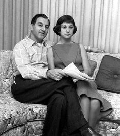 A pre-nose-job Marlo Thomas with dad, Danny Thomas I like both pre- and post noses. I think she is lovely either way. God Bless this family for their lovely spirit and generous hearts. Marlo Thomas, Danny Thomas, Hollywood Actor, Classic Hollywood, Old Hollywood, Hollywood Glamour, Cultura General, Celebrities Then And Now, All In The Family