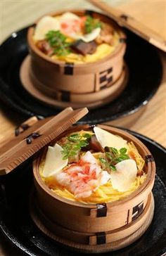 japanese food::sushi seiro. Looks so yummy but I don't know what the site is telling me.