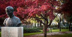 """Képtalálat a következőre: """"kossuth lajos tér park xviii kerület"""" PestSzentLőrinc - PestSzentImre főtere - Kondor Béla szobor Budapest, Garden Sculpture, Buddha, Statue, Outdoor Decor, Green, Spaces, Home Decor, Decoration Home"""
