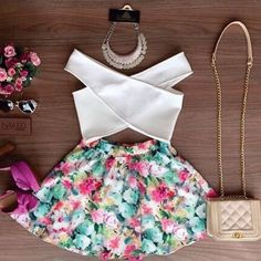 Stylish V-Neck Sleeveless Solid Color Blouse + Floral Print Skirt Twinset For Women Suit Fashion, Fashion Outfits, Fashion Women, Dress Fashion, Teen Fashion, Style Fashion, Fashion Shirts, Fashion 2015, Trending Fashion