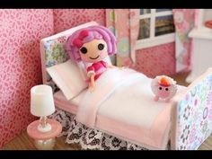 How to Make a Bed for a Mini Doll like LPS and Lalaloopsy by  myfroggystuff via youtube. Made these w my grand daughters- turned out cute as can be!