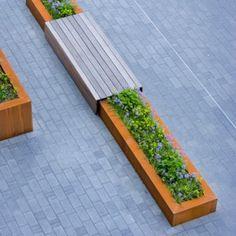 Foto: Mooi zeg zo'n grote plantenbak met zitje. Geplaatst door Ietje op Welke.nl