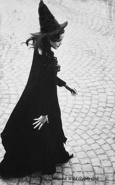Sexy witch   Magical/Goth/Steampunk   Pinterest   Witches ...