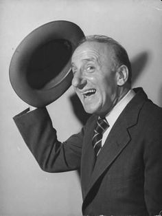Jimmy Durante with his version of the ever-popular September Song. Durante recorded his charming cover in It can be heard on . As Time Goes By: The B. Hollywood Actor, Golden Age Of Hollywood, Vintage Hollywood, Hollywood Stars, Classic Hollywood, Vintage Tv, Hollywood Glamour, Hollywood Actresses, September Song