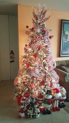 candy cane red and white christmas tree