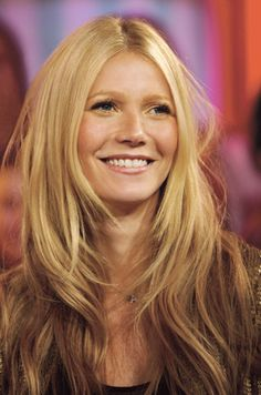 New hair blonde long layers face framing ideas Gwyneth Paltrow, Gweneth Paltrow Hair, Blonde Long Layers, Long Layered Hair, Layered Cuts, Medium Hair Cuts, Long Hair Cuts, Long Hair Styles, Top Hairstyles
