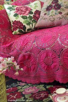 so pretty -- granny chic Granny Chic, Century Textiles, Estilo Hippy, Bedding Inspiration, Deco Boheme, Rose Cottage, Vintage Crochet, Vintage Colors, Shabby Chic Furniture
