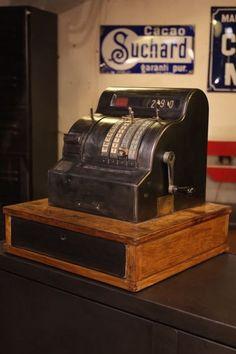caisse enregistreuse ancienne 1950
