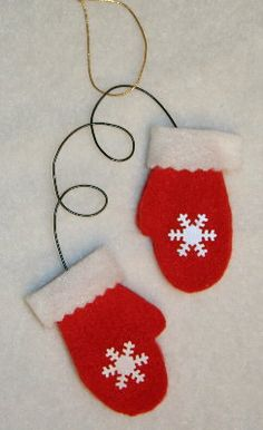 Childmade- a great blog w/ lots of craft and decorating ideas.