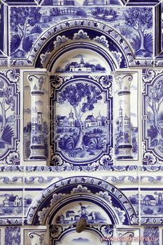 Really gorgeous. Blue And White China, Blue China, New Blue, Modern Stoves, Delft Tiles, Medieval Houses, Tuile, Textures And Tones, Willow Pattern